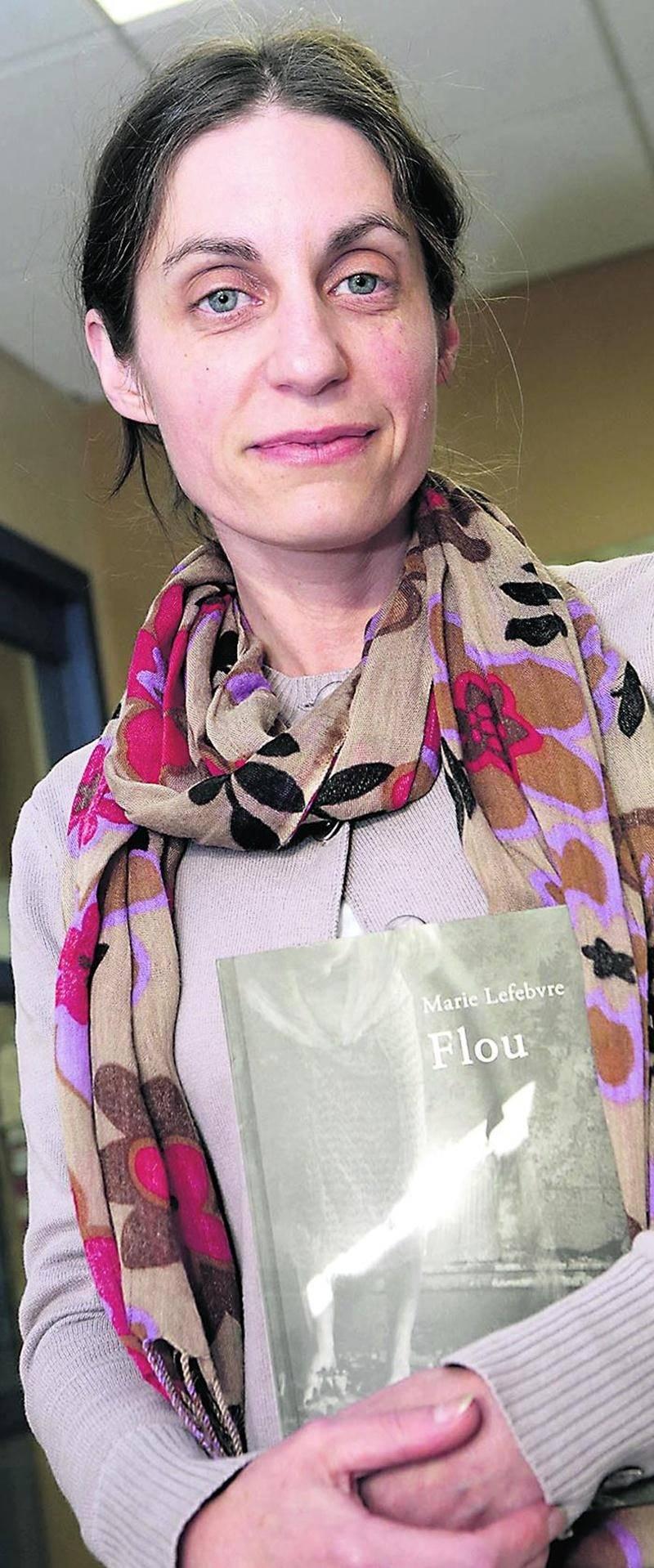 L'auteure maskoutaine Marie Lefebvre signe son second roman intitulé Flou, chez les Éditions Leméac. Photo Robert Gosselin | Le Courrier ©