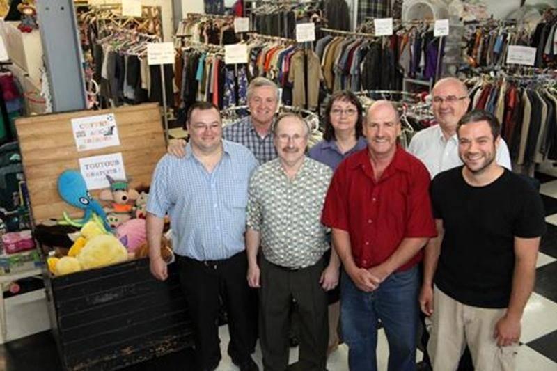Dans de nouveaux locaux, 20 fois plus grand, le CEM offre à la population la possibilité de magasiner vêtements et meubles à très bas prix.