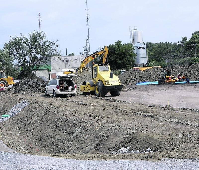 Le chantier de construction du futur siège social du Groupe Jolco-Ventec situé à proximité du carrefour de l'avenue Pinard et du boulevard Choquette. Photo Robert Gosselin | Le Courrier ©