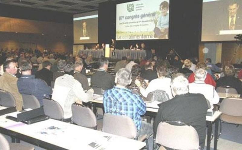 Durant le congrès qui se tenait sous le thème « Le défi alimenterre », les 420 délégués, dont une trentaine provenant de la Fédération de Saint-Hyacinthe, ont étudié plus d'une cinquantaine de résolutions portant sur divers aspects du milieu agricole.