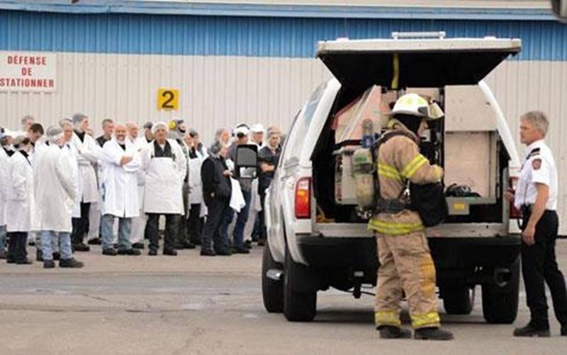 Une fuite dans un réservoir de dioxyde de carbone situé à l'extérieur de l'usine Olymel de la rue Saint-Jacques à Saint-Hyacinthe a forcé l'évacuation de la centaine d'employés le 27 juin en fin d'après-midi. Les pompiers de Saint-Hyacinthe sont intervenus afin de remédier à la situation. Les employés ont pu réintégrer l'usine vers 18 h, après une intervention d'un peu plus de 90 minutes. Le bris d'un fusible aurait fait monter la température du réservoir et aurait déclenché une valve de sécurit