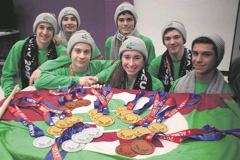 Nos haltérophiles ont raflé une vingtaine de médailles et sept records aux Jeux du Québec d'Alma, permettant à la région de terminer au premier rang dans la discipline. Photo Facebook - Jeux du Québec Richelieu-Yamaska