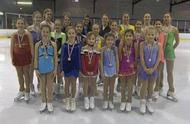 Lors de la compétition Invitation Gérard Allard qui a eu lieu à Granby en novembre, un total de 27 médailles ont été remportées par les patineuses du Club de patinage artistique. Médaillées d'or : Chloé Simoneau débutant, Coralie Guerin débutant, Marilou Cantwell débutant, Alysson Béliveau pré-préliminaire, Valérie Archambault pré-juvénile moins de 11 ans, Joanie Boucher débutant, Marie-Pier Savary senior argent, Eugénie Létourneau Lanteigne novice long, Sarah Bousquet or et Félixia Boucher or a