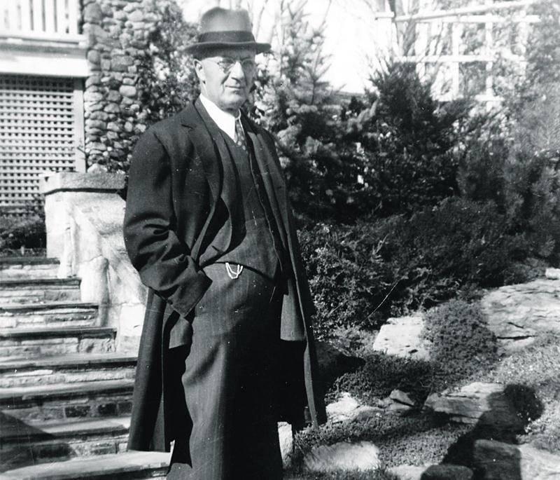 Eugène Côté en octobre 1941. Studio B.-J. Hébert, CH589-S1-SS1-D2-05.