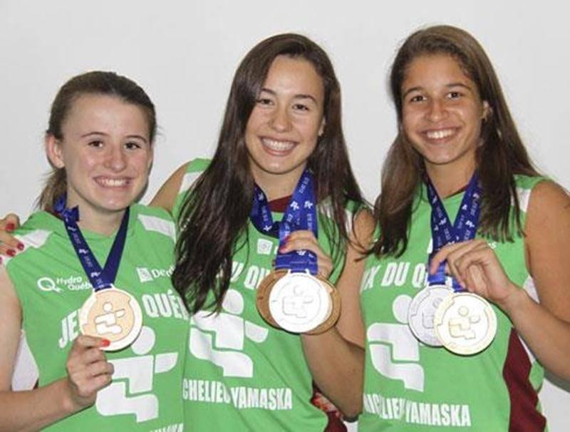 Sara-Jade Lamontagne, Emma Lamontagne et Maria Klara Suciu ont remporté un total de six médailles en natation aux Jeux du Québec.