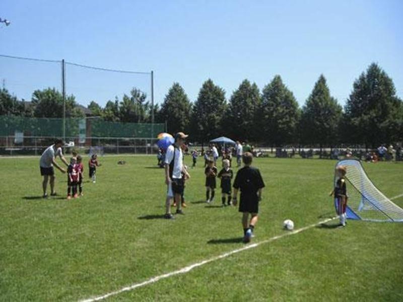 Venez encourager les jeunes joueurs lors du Festival de Micro-Soccer Vertdure le samedi 12 juillet.