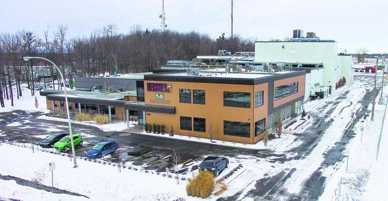 L'usine Brookside de Saint-Hyacinthe, propriété du géant américain Hershey. Photo François Larivière   Le Courrier ©