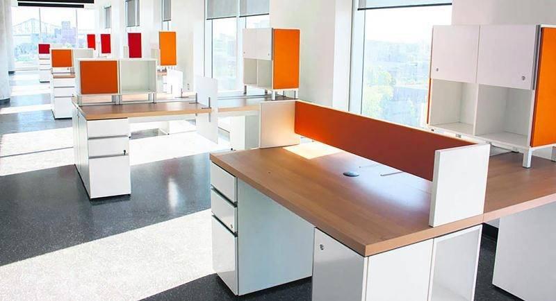 Le Groupe Lacasse a obtenu l'un de ses plus importants contrats de son histoire en se voyant confier en 2013, l'ameublement du futur Centre de recherche du Centre hospitalier de l'Université de Montréal (CHUM).
