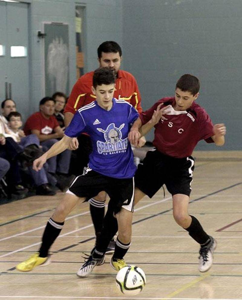 Plus de 117 équipes de soccer intérieur scolaire ont participé à la 15 e édition du Challenge Colédo-Patriotes.