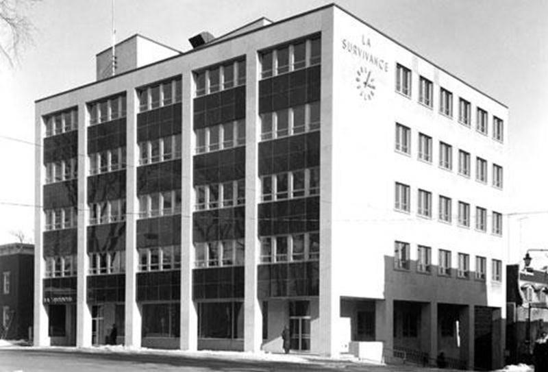 Édifice de La Survivance, vers 1960. (Archives du Centre d'histoire de Saint-Hyacinthe, CH085-011-002-004-E0008)
