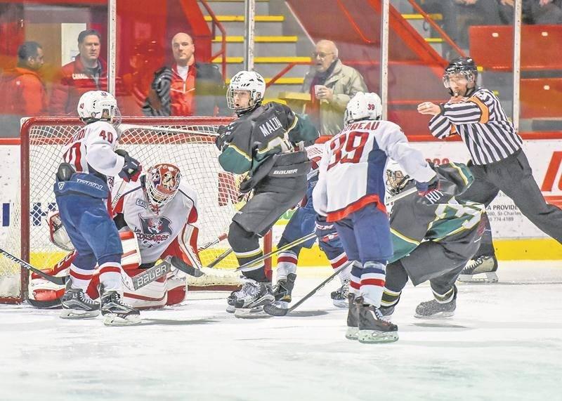 Les Gaulois d'Antoine-Girouard pee-wee AAA ont vu leur beau parcours prendre fin en demi-finale du Tournoi de hockey pee-wee de Saint-Hyacinthe Photo François Larivière | Le Courrier ©