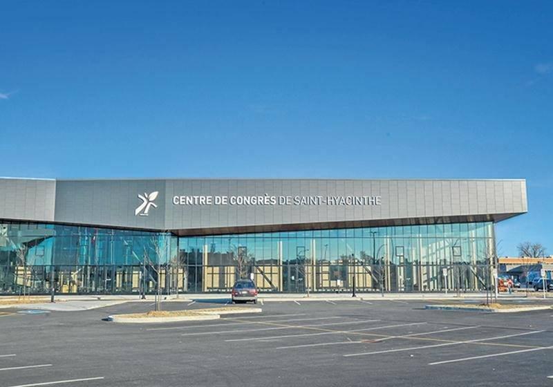 Le Centre de congrès de Saint-Hyacinthe, incluant ses équipements, représente un coût final de 38,5 M$.