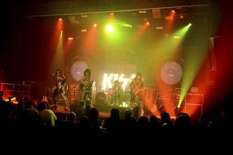 Le <em>Tribute Master Tour</em> reviendra dans la région à l'été. Le concept intégral a été retenu pour faire partie de la 8 e édition du Show de la Rentrée Desjardins d'Acton Vale.