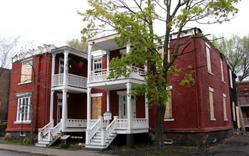 Aucune mesure d'urgence n'a été prise pour protéger la maison au lendemain de l'incendie du 14 novembre 2010.