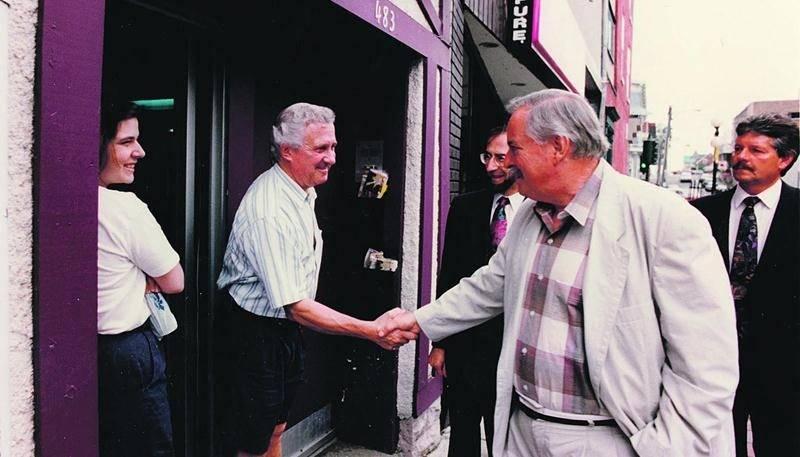 L'opération charme de Jacques Parizeau a porté ses fruits puisqu'il a été élu premier ministre du Québec en septembre 1994.  Photothèque | Le Courrier ©