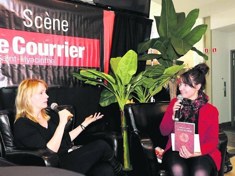 L'auteure Marie-Sissi Labrèche a présenté au public son dernier roman intitulé La vie sur Mars.Photo Robert Gosselin | Le Courrier ©