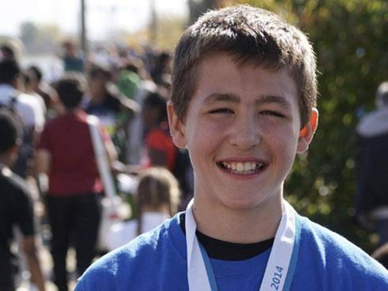 Elliot Desnoyers a établi le meilleur temps du 44 e Championnat régional de cross-country avec un chrono de 6 min 57 s.