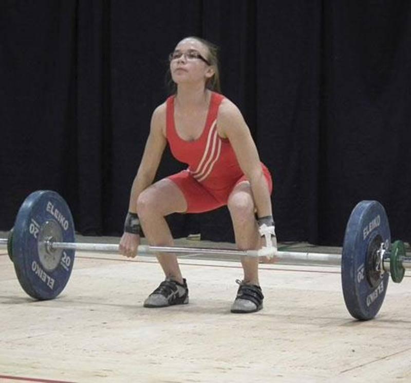 Cynthia Barrette a dominé la catégorie des 48 kg au Championnat canadien junior d'haltérophilie.