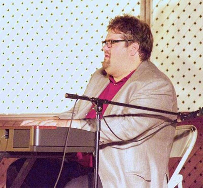 Un nouveau style de chant choral vous intéresse? Joignez-vous à l'Ensemble vocal Les Porte-Bonheur pour chanter des rythmes jazzy et swing. Le tout, dirigé par le chef de choeur Louis-André Allen. Rencontres amicales, plaisir et détente sont assurés. Conditions d'admission: chanter juste et avoir le goût de chanter en choeur. Expérience musicale/chorale souhaitée, mais non nécessaire. Méthode d'apprentissage par bandes sonores. Inscriptions le jeudi 5 septembre de 18h à 18h45. Répétition tou
