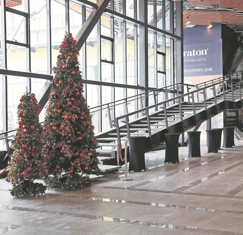 La zone entourant l'escalier situé tout près de l'entrée principale est un « lieu privilégié » pour accueillir l'éventuelle œuvre d'art. Les modalités exactes seront précisées en 2018.  Photo Robert Gosselin   Le Courrier ©