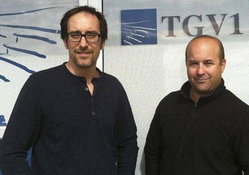 Patrick Yan Vézina (à gauche) et Dominique Trépanier, de l'entreprise TGV1 Composites.