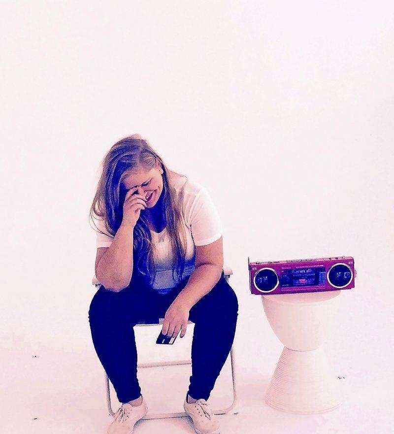 Depuis la sortie de l'album Mouvement, on peut entendre quelques pièces de Sarah Bourdon sur les ondes des stations radiophoniques. Photo Phil Craig ©