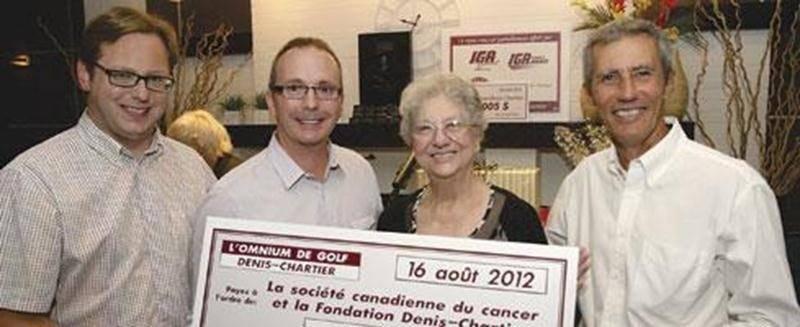 L'Omnium Denis-Chartier 2012 a permis de recueillir la somme record de 74618$. Le dévoilement a réuni Benoit Chartier, Pascal Milotte, président de la section locale de la Société canadienne du cancer, Olivette Beauregard, coordonnatrice de la Maison Marie-Luce-Labossière, et Alain Rivard, président d'honneur.
