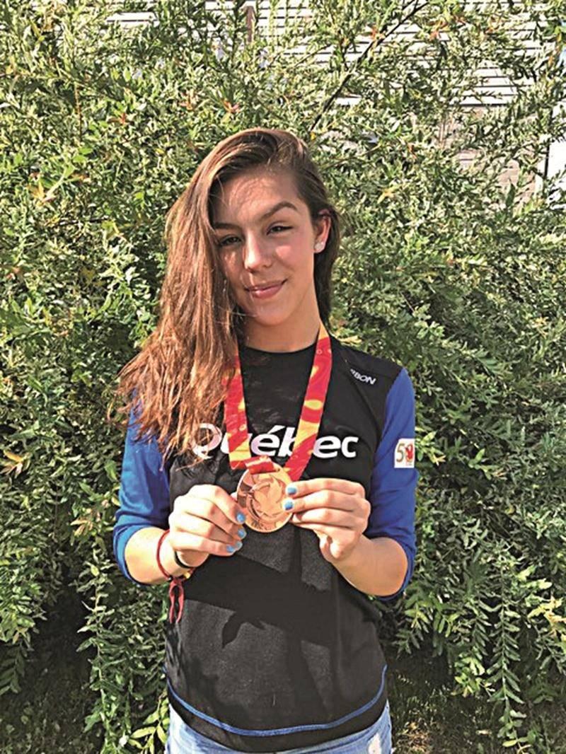 La Maskoutaine Perrine Bouchard a aidé le Québec à monter sur le podium au relais 4 x 200 m libre. Photo Courtoisie