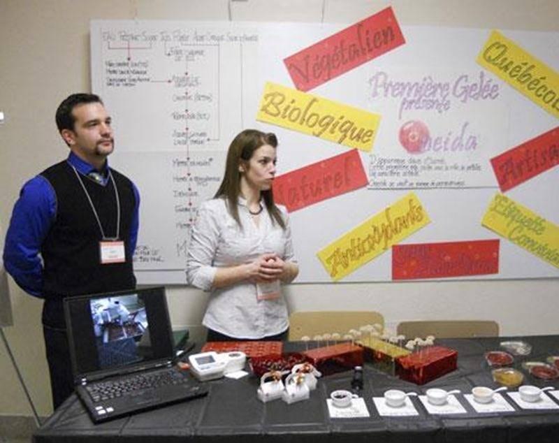 Chaque automne, l'ITA organise une journée carrières qui permet aux étudiants qui en sont à leur cinquième session de monter un stand afin de présenter aux industriels le produit alimentaire qu'ils ont créé.