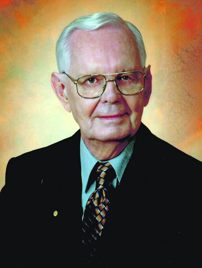 Gaston St-Roch a été l'un des trois membres fondateurs de la Fondation Honoré-Mercier.