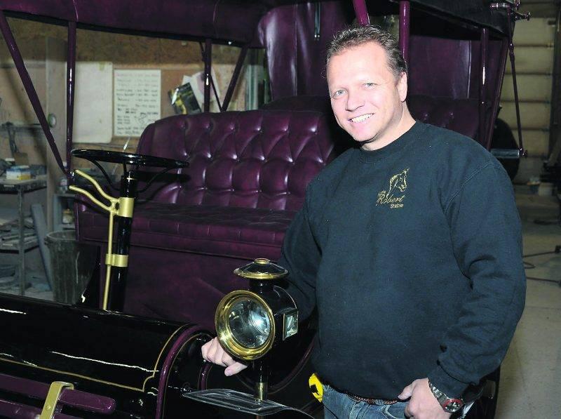Deux Cadillac Modèle T de 1902 ont été reproduites par Les Voitures Robert pour le tournage de la série américaine The Knick.Photo François Larivière | Le Courrier ©