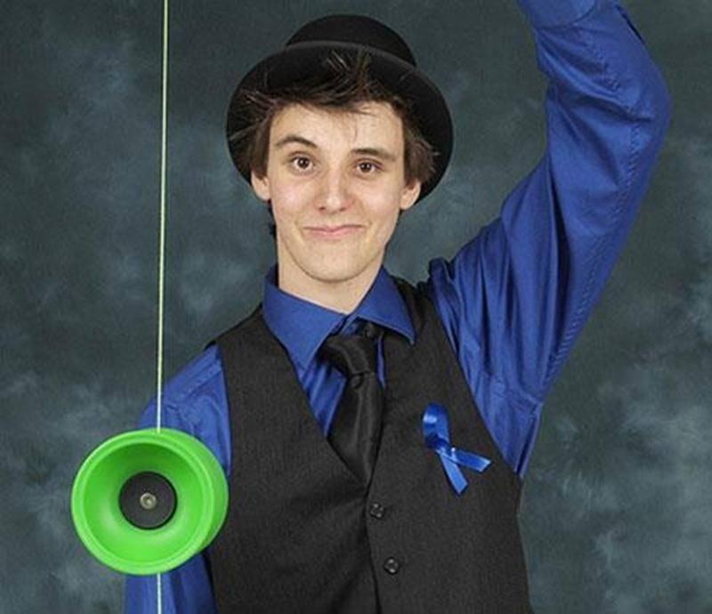 Grâce à la mesure Jeunes volontaires d'Emploi-Québec et à l'appui du CJE Iberville/St-Jean, Jean-Félix Bélanger a pu peaufiner son expertise en jonglerie. Il débutera sous peu des études à l'École de cirque de Québec.