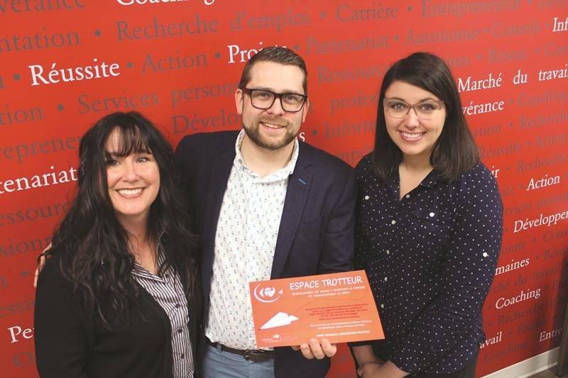 Sur la photo, de gauche à droite on reconnaît, Caroline Lavoie, Eric Devost et Magalie Sauvé, les porteurs du projet.