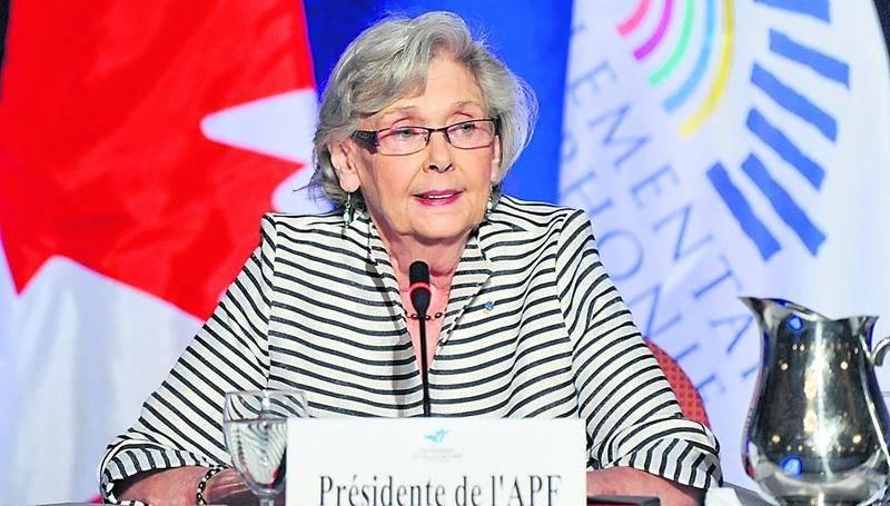 Mme Champagne a dirigé l'assemblée générale et les échanges qui ont intéressé quelque 350 participants à Ottawa.