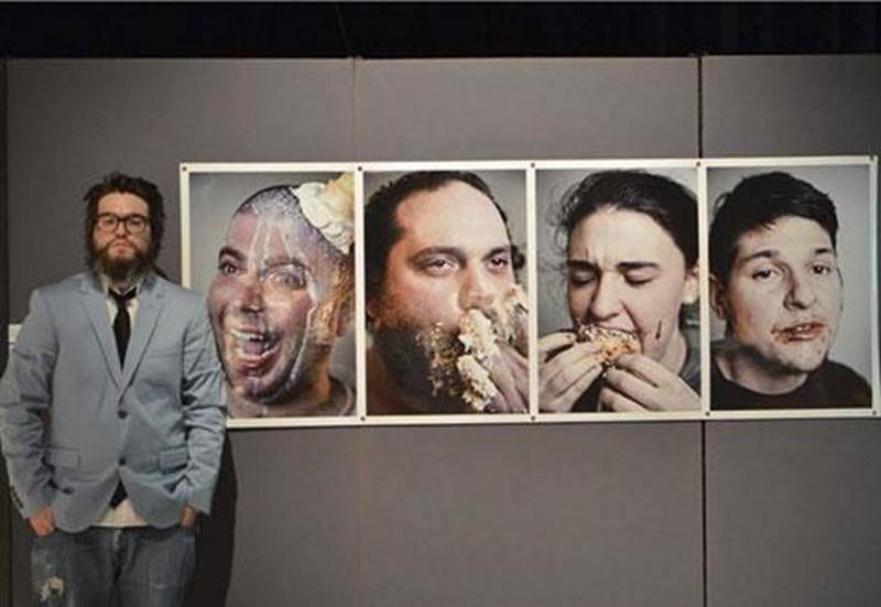 Michaël Turcotte s'est vu remettre une bourse pour son oeuvre <em>Congue_gula</em> dans le cadre de l'<em>intercollégial d'arts visuels</em>.