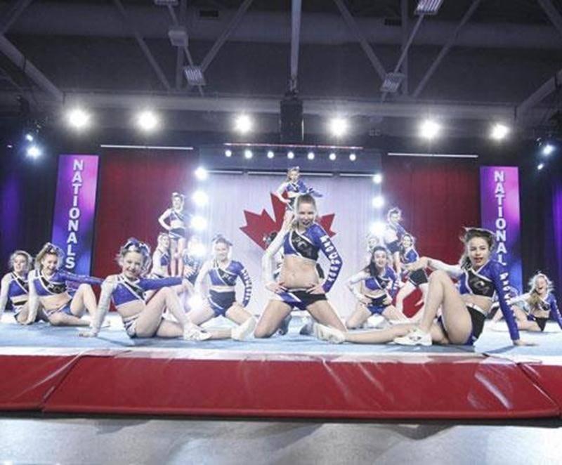 Perfect Dream a poursuivi sa saison parfaite en remportant le Championnat canadien de cheerleading ainsi que le championnat national de Niagara Falls.