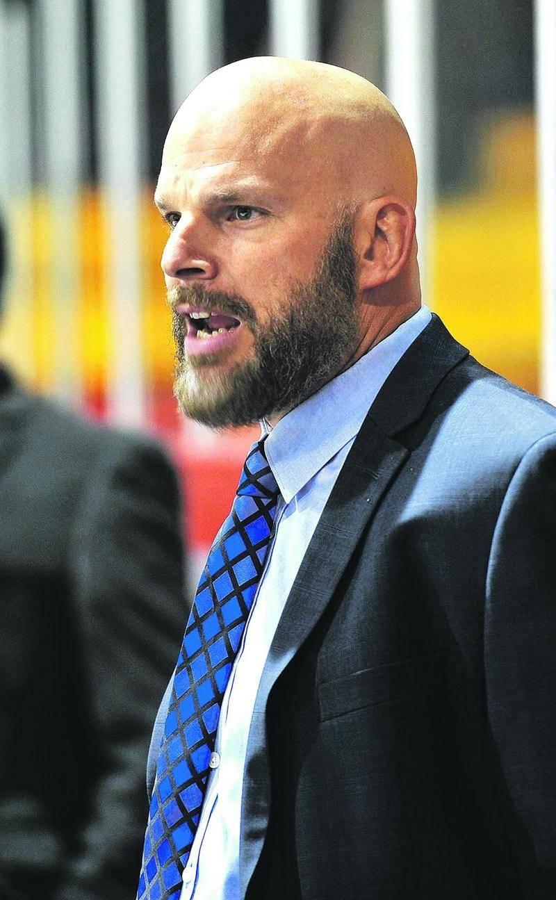 Martin Cadorette est devenu le 14e entraîneur dans l'histoire de la ligue à atteindre les 150 victoires Photothèque | Le Courrier ©