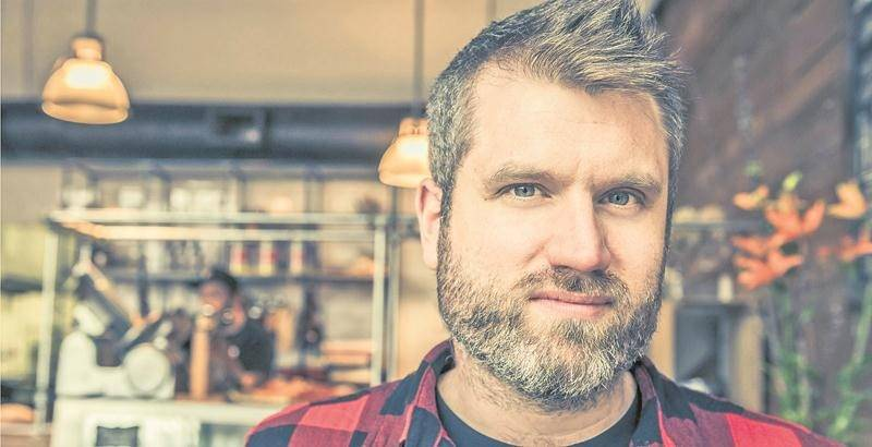 Parmi ses nombreux projets, Ian Kelly a aussi laissé entendre que des remix de SuperFolk allaient voir le jour vers l'été 2017. Photo Martin Girard