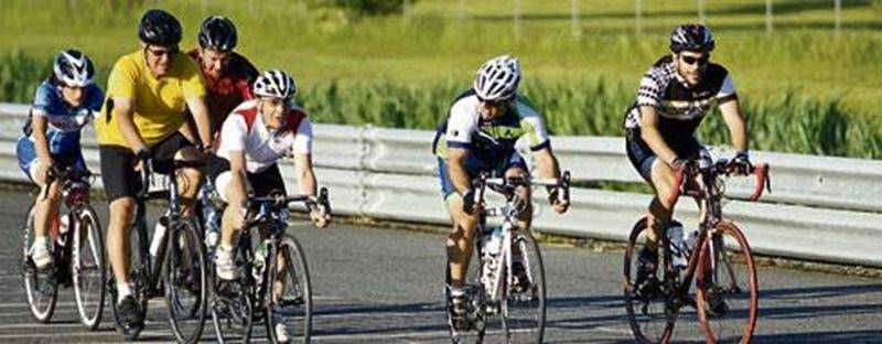Quelques cyclistes lors du défi 6 h du Vélo-Club Saint-Hyacinthe.