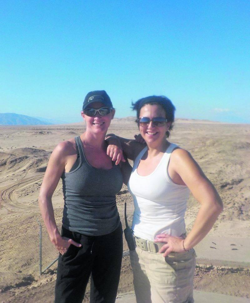 Line Robert (à gauche), en compagnie de sa coéquipière Roxanne Lafrenière, lors d'une formation à San Diego. Photo Courtoisie