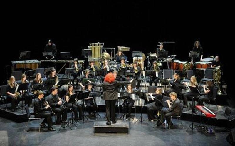 La Société Philharmonique permet aux musiciens de la région de Saint-Hyacinthe et des environs d'évoluer au sein d'un groupe musical. Cette participation à notre harmonie perfectionne la culture musicale des membres, et ce, pour le plus grand bénéfice du public lors de nos concerts. La Société Philharmonique et la Philharmonie des Jeunes ont repris leurs activités. Si vous êtes intéressés à faire partie de l'un ou l'autre de nos groupes, communiquez avec nous à musique@sophil.org ou en composant