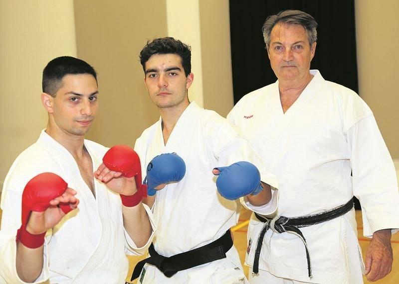 Steven Rousseau, Marc-Antoine Dubuc et l'instructeur Ricardo Ferro se rendront à Glasgow, en Écosse, pour le Championnat du monde de karaté de la JKS les 9 et 10 septembre.