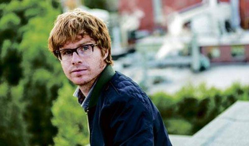 Vincent Vallières sillonne les routes du Québec avec son nouvel album <em>Fabriquer l'aube</em>.