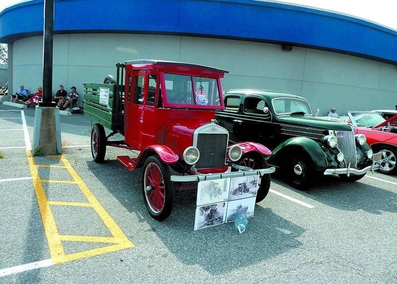 Parmi les plus vieux modèles exposés, un retrouvait ce Ford TT, un modèle datant de 1924. Photo Courtoisie