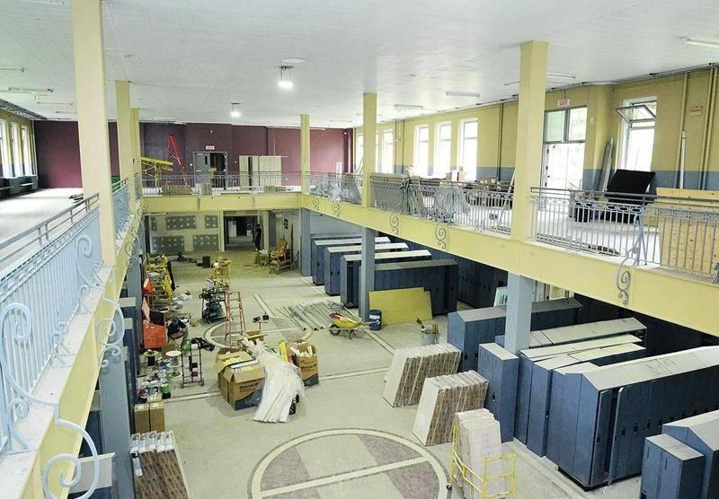 Depuis mars, la CSSH procède à des mises aux normes du bâtiment afin qu'il puisse accueillir les élèves de l'école Casavant dès la prochaine rentrée. Photo François Larivière | Le Courrier ©