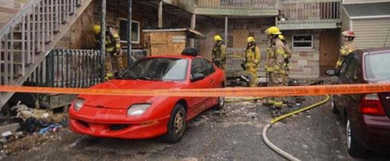 Un bâtiment désaffecté, situé aux intersections de la rue Marguerite-Bourgeoys et de l'avenue Saint-Simon, au centre-ville de Saint-Hyacinthe, a été la proie des flammes, mardi matin, vers 6 h 25. L'incendie a été rapidement maîtrisé par les pompiers, limitant les dégâts et évitant la propagation aux bâtiments environnants. Des résidants du quadrilatère, comprenant l'avenue Saint-François et la rue Saint-Amand, ont été évacués. L'enquête a été prise en charge par la Sûreté du Québec puisqu'il po