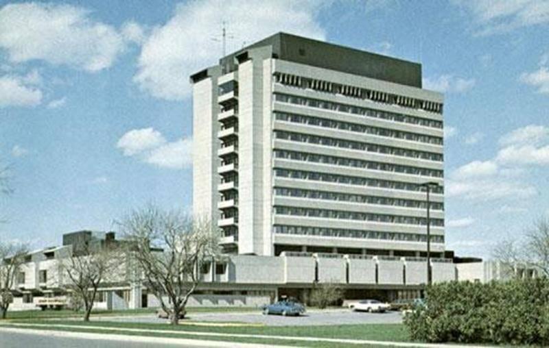 L'hôpital Honoré-Mercier au début des années 1980. Carte postale, photo Réal Brodeur, impression Le Courrier. (Collection privée)