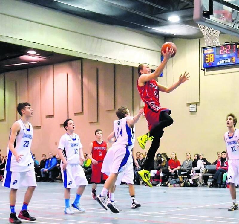 Le tournoi Sweet Sixteen a accueilli une soixantaine d'équipes lors de sa 10e édition. Photo Courtoisie