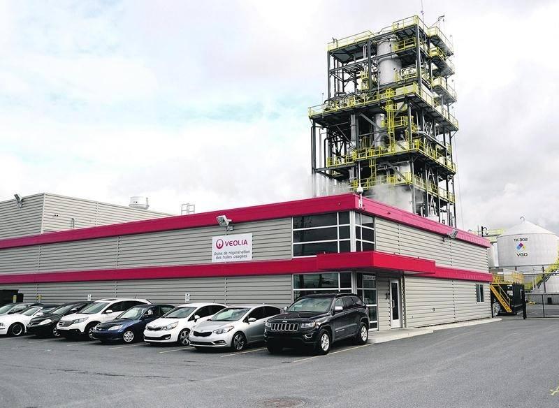 L'usine de régénération des huiles usées est située sur l'avenue Pion. Chaque employé doit garer son véhicule de manière à pouvoir quitter rapidement le site en cas de pépin. Photo François Larivière | Le Courrier ©