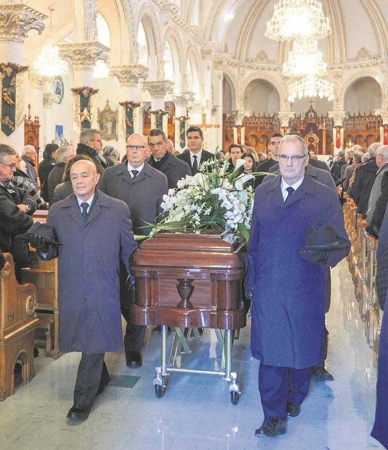Des centaines de proches et d'amis d'André H. Gagnon ont assisité aux funérailles célébrées mercredi à la Cathédrale de Saint-Hyacinthe. Photos François Larivière Le Courrier